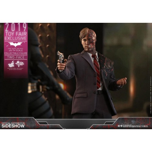 The Dark Knight Action Figure 1/6 Two-Face 2019 Toy Fair Exclusive 31 cm Hot Toys - 3