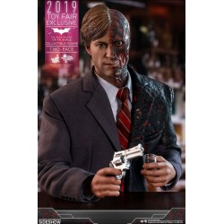 The Dark Knight Action Figure 1/6 Two-Face 2019 Toy Fair Exclusive 31 cm HOT TOYS - 8