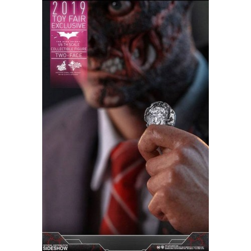 The Dark Knight Action Figure 1/6 Two-Face 2019 Toy Fair Exclusive 31 cm Hot Toys - 9